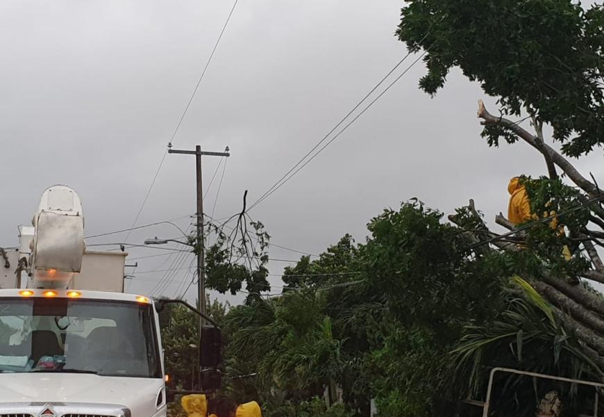 CFE despliega equipo estratégico por paso del huracán 'Delta'