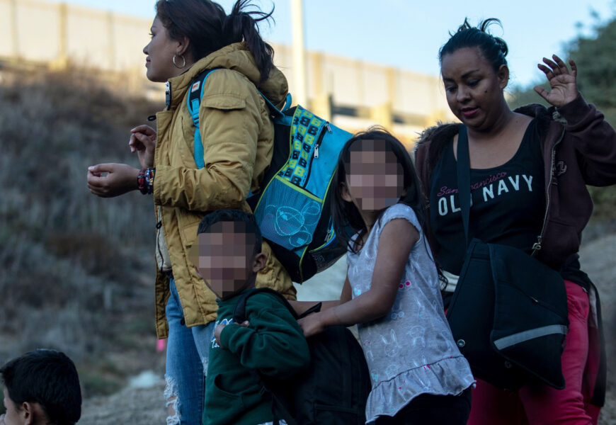 Ninos migrantes-AFP