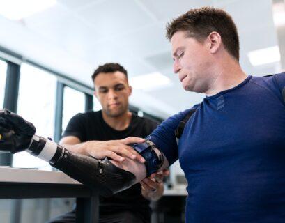 cerebro-movilidad-protesis